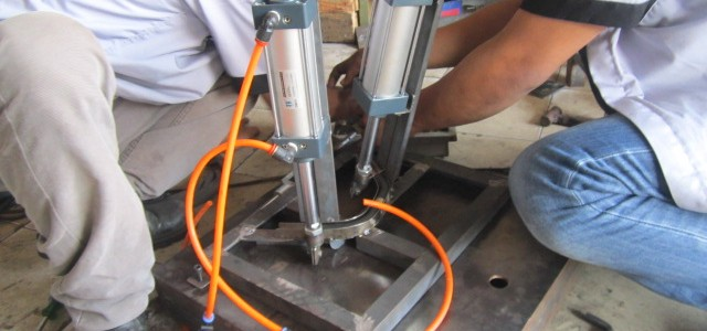 Pneumatic Hose Cutter